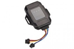 ET100 GPS tracking device